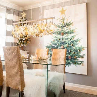 white, grey and mixed metallics Christmas dining room decor ideas