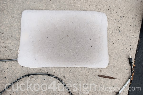 outdoor heated pad for stray cats