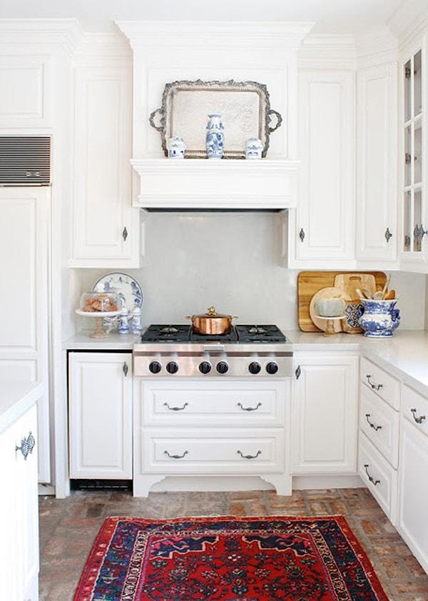 gorgeous traditional kitchen