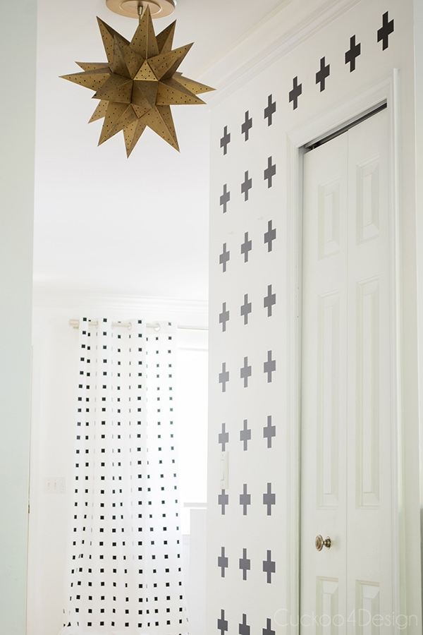 How_to_make_nosew_nopaint_DIY_Graphic_blackandwhite_curtains_Cuckoo4Design_9