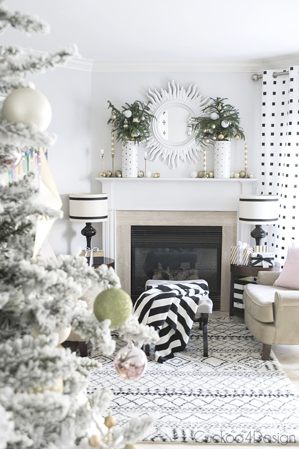 Christmas living room mantel - Cuckoo4Design