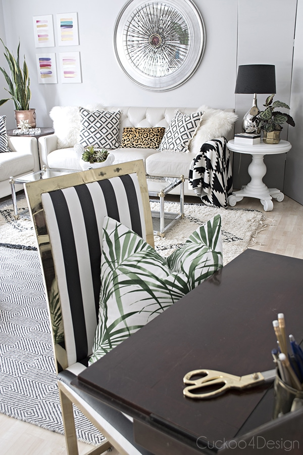 neutral_black_and_white_living_room-cuckoo4design_7
