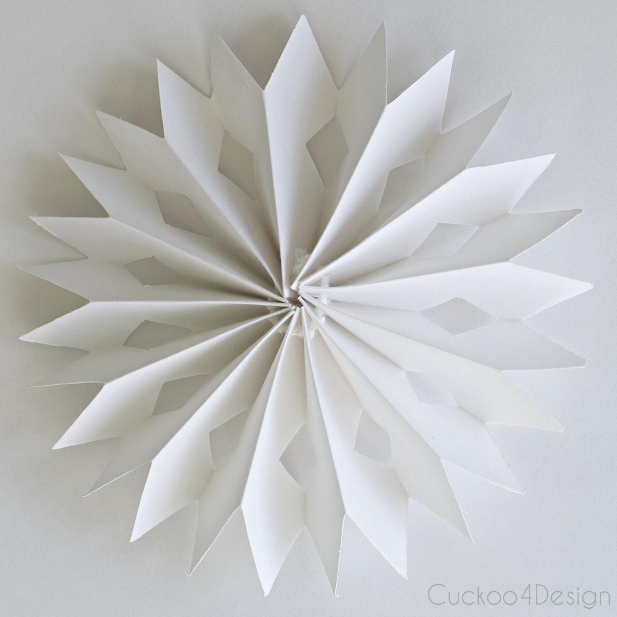 diy_cardboard_snowflake_ornament_cuckoo4design_3