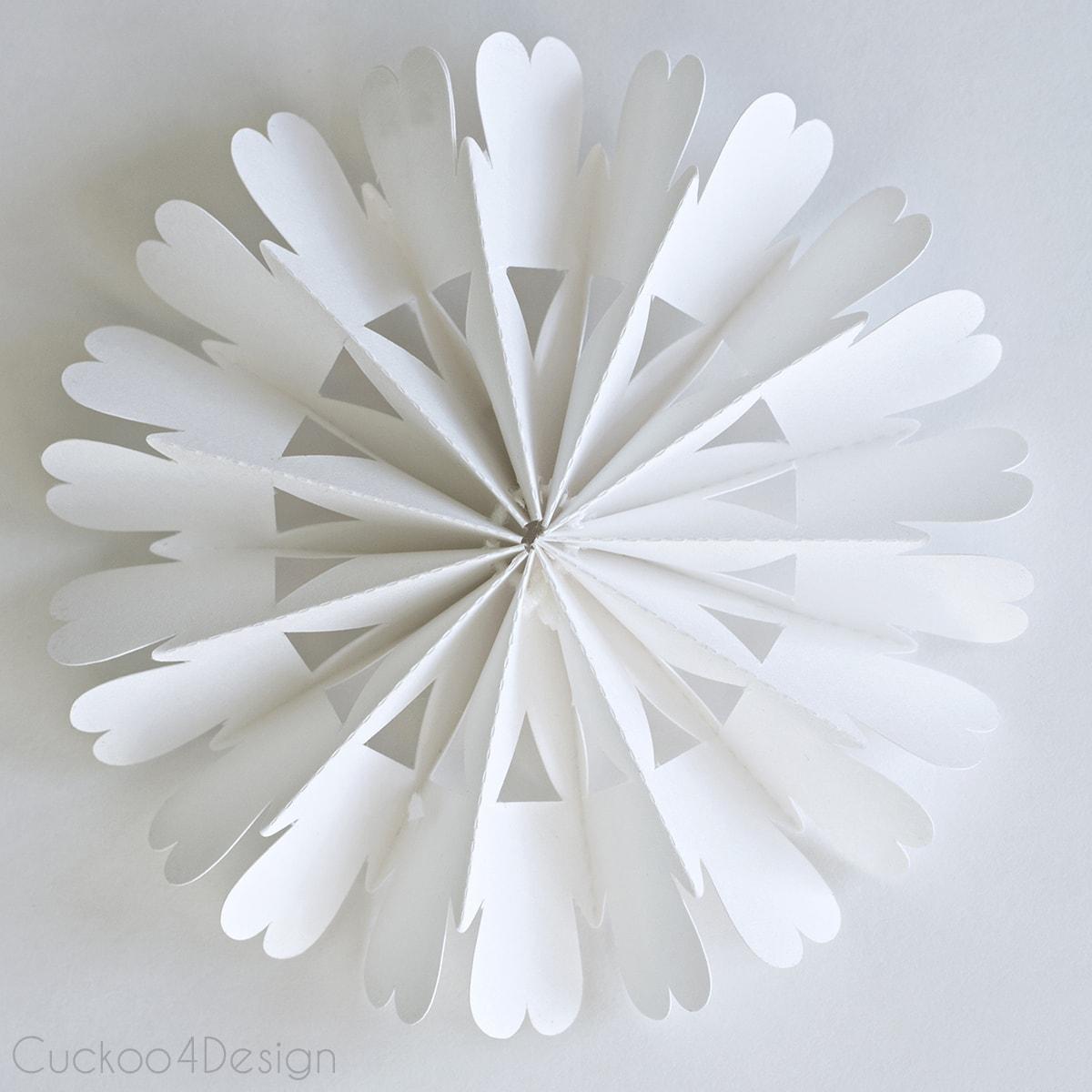 diy_cardboard_snowflake_ornament_cuckoo4design_4