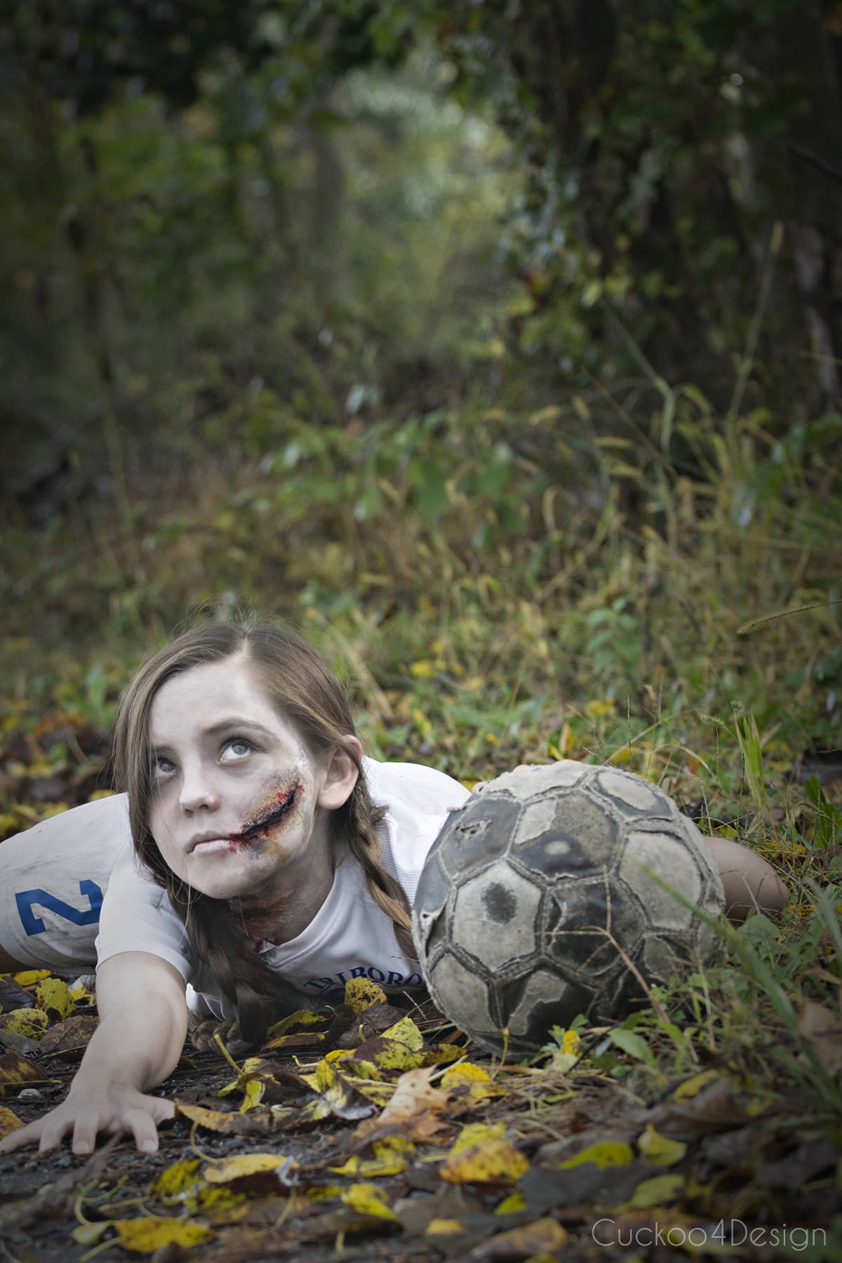 easy tutorial on how to make creepy zombie makeup with some easy to follow steps. If you can decoupage a craft project than you can make zombie makeup too | kids Halloween makeup | affordable DIY costume | soccer zombie