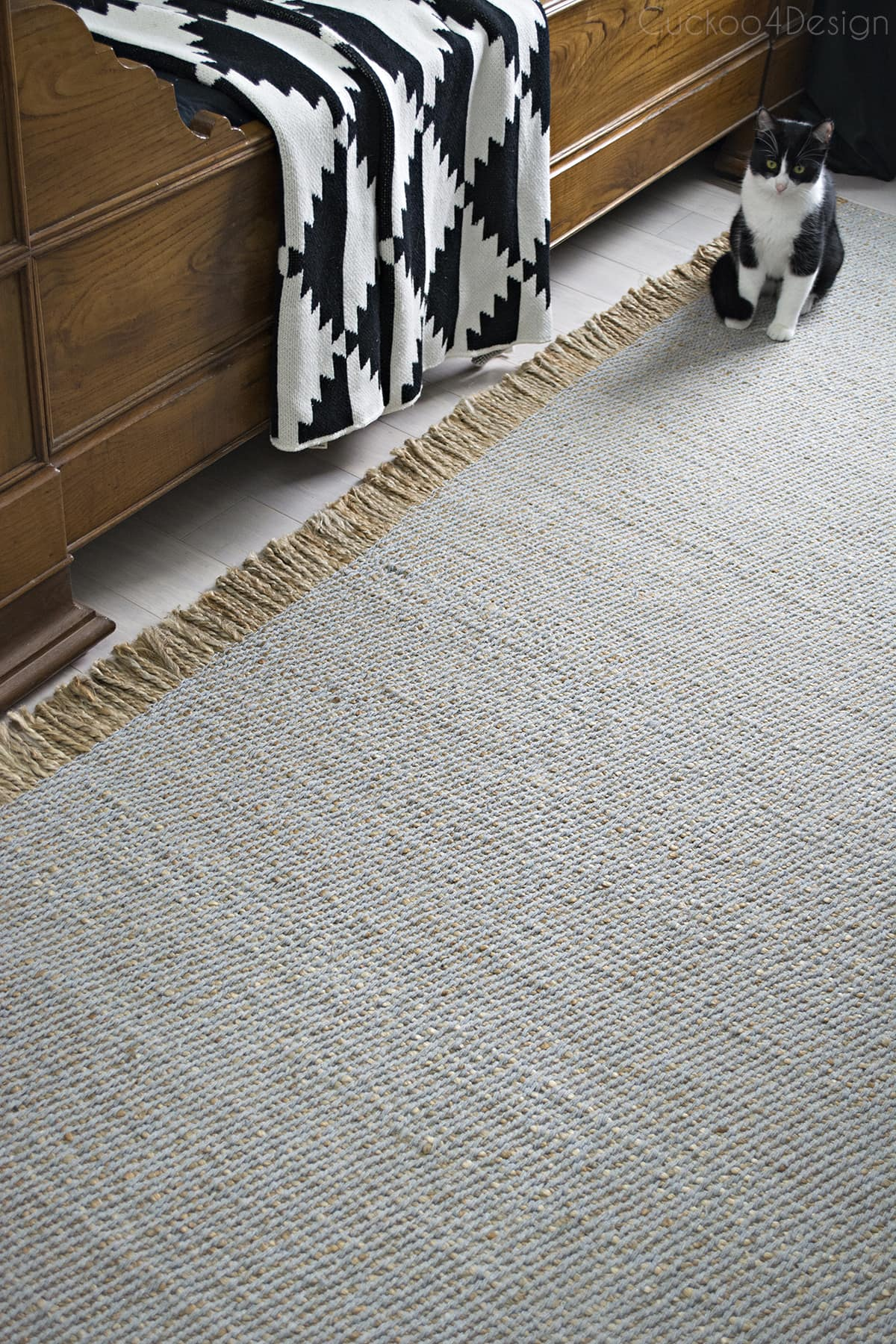 beautiful soft but textured rug by plusRugs